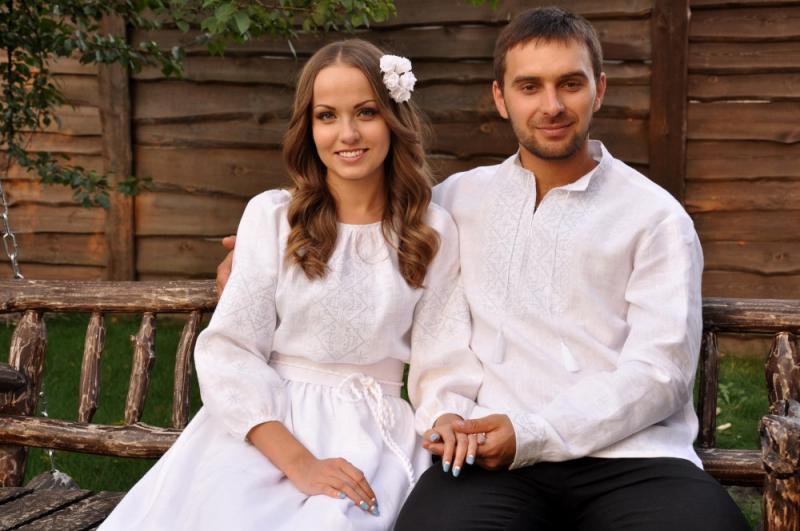 фото сучасної весільної вишиванки