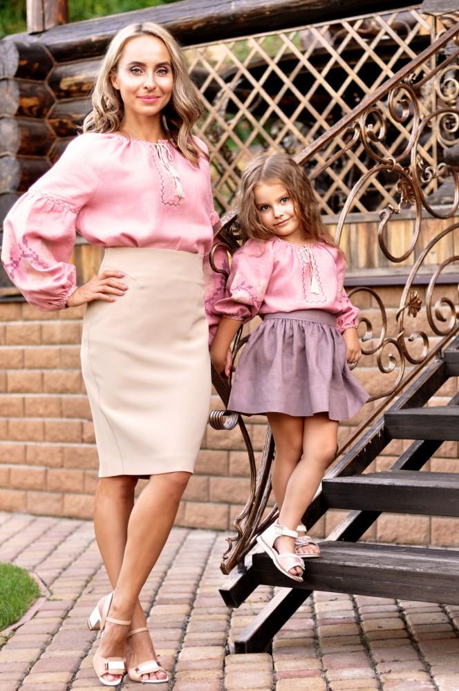 фото вишиванки для мами і доньки