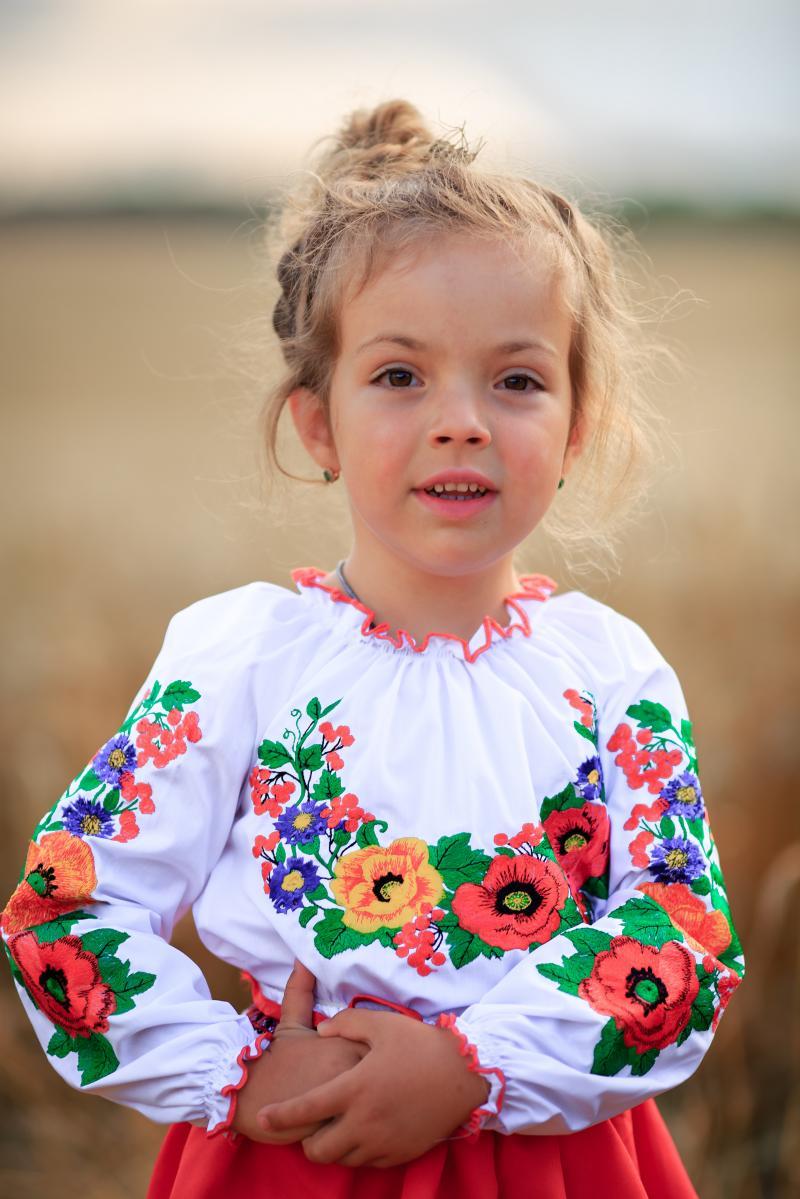 дитячі вишиванки для дівчинки фото