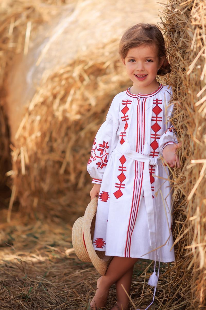 фото вишите плаття для дівчинки